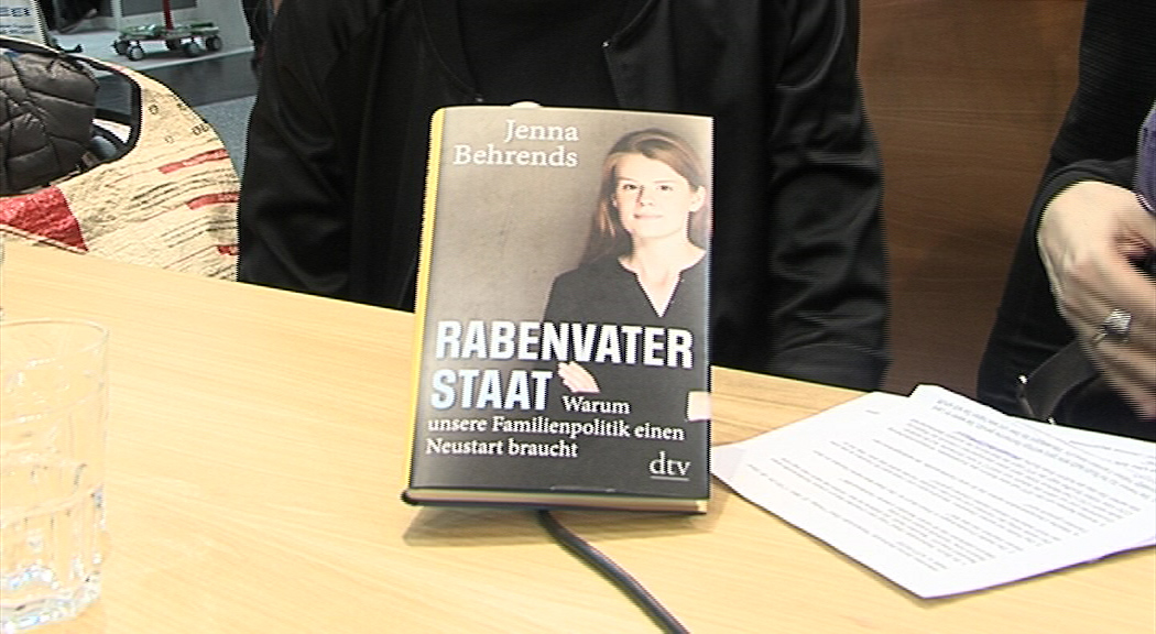 Buchmesse 2019 Jenna Behrends Rabenvater Staat